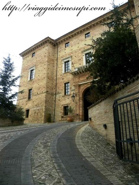 Castello Chiola - Ingresso