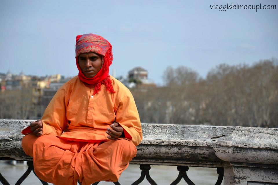 vedere il mondo da una prospettiva diversa - indiano a Roma