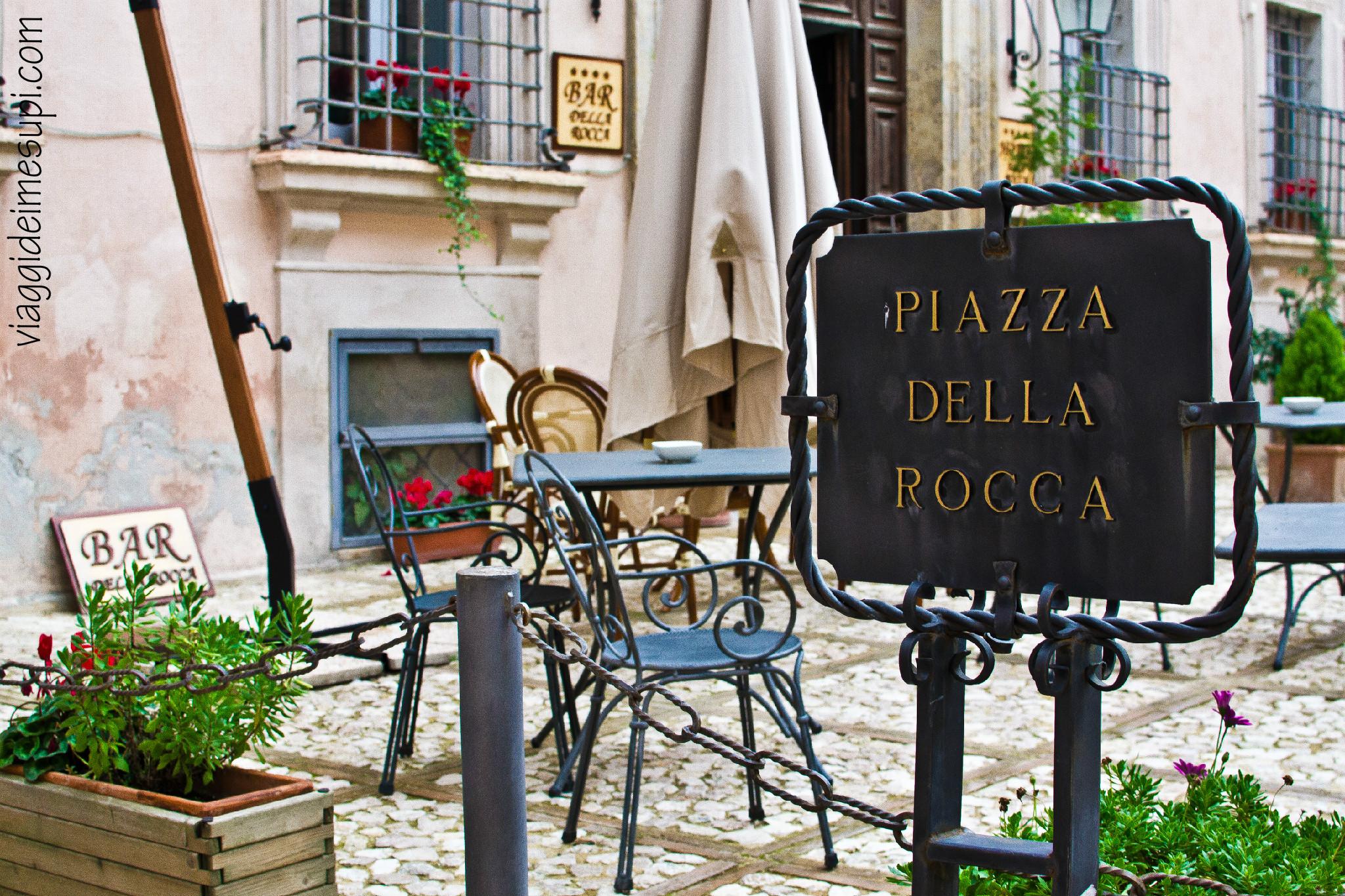 Piazza della Rocca, Trevi
