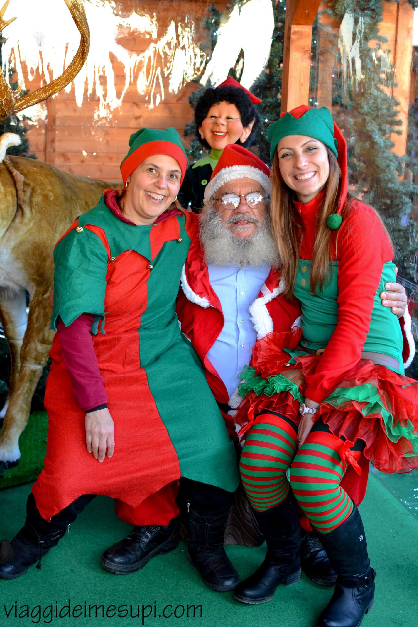 Natale delle meraviglie, Babbo Natale e gli elfi
